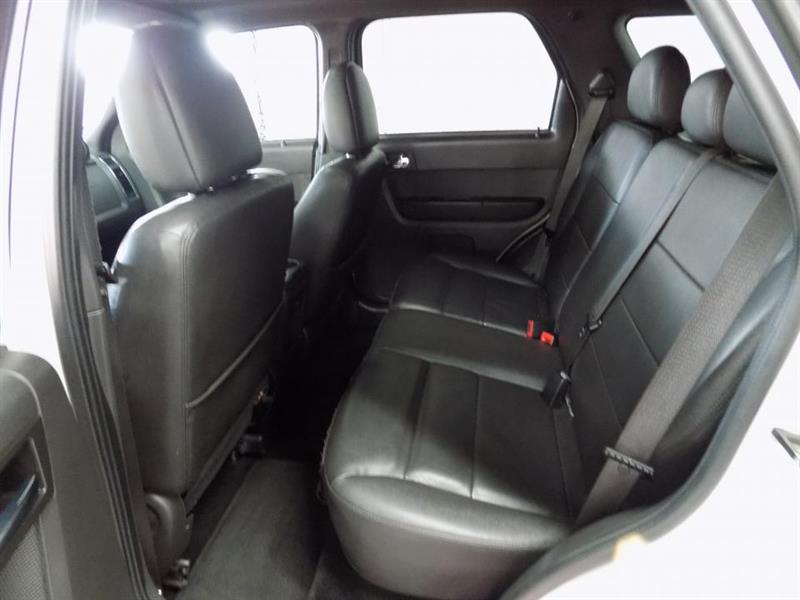 Ford Escape 4WD 17