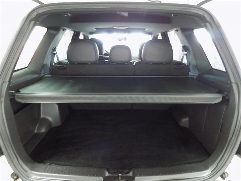 Ford Escape 4WD 18