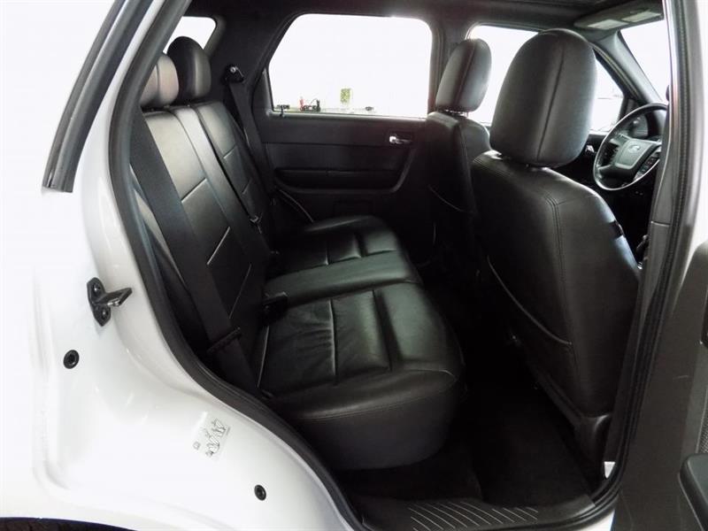 Ford Escape 4WD 20