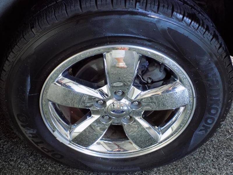 Ford Escape 4WD 23