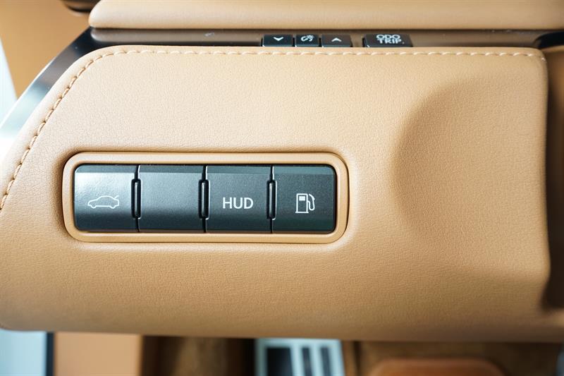 Lexus LC 15