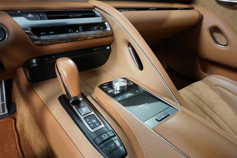Lexus LC 21