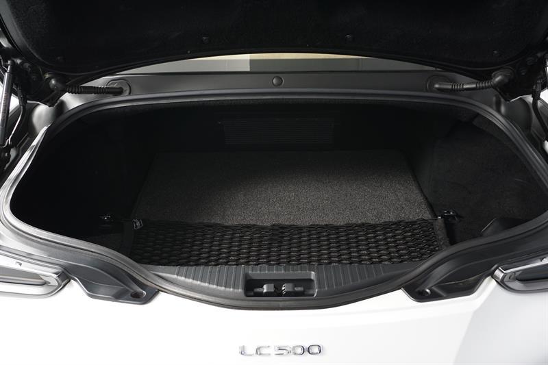 Lexus LC 28