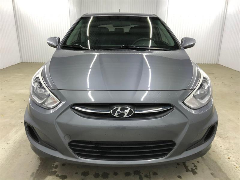 Hyundai Accent Hatchback 21