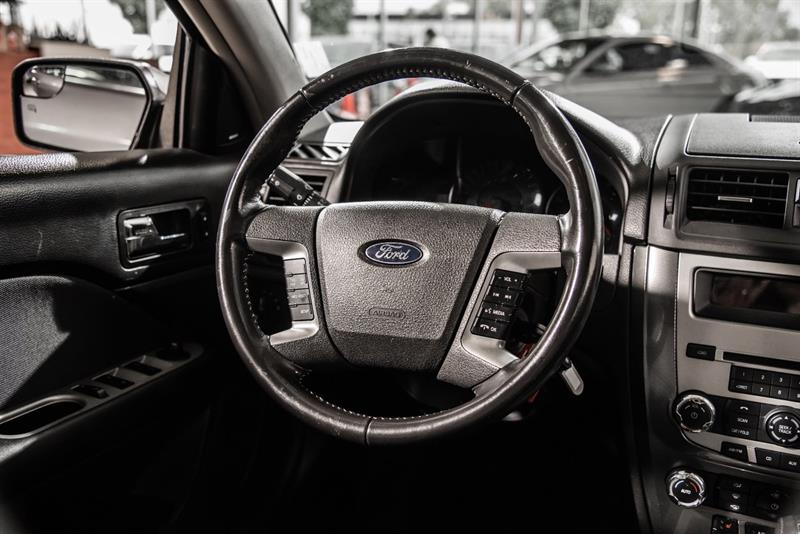 Ford Fusion 24