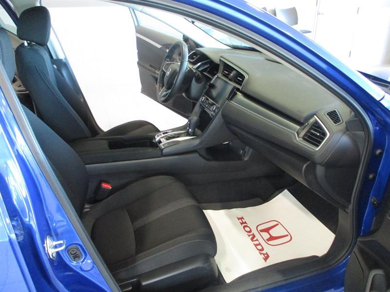 Honda Civic Sedan 32
