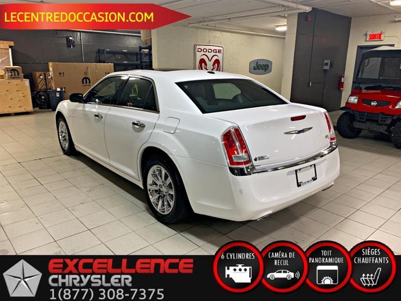 Chrysler 300 11