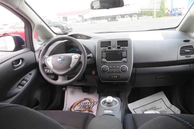 Nissan LEAF 11