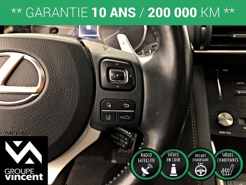 Lexus IS 300 17