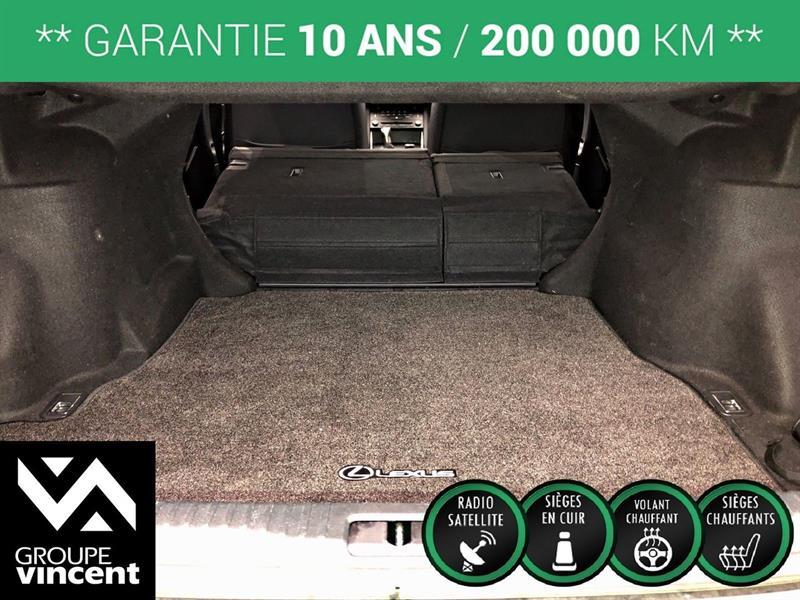 Lexus IS 300 30