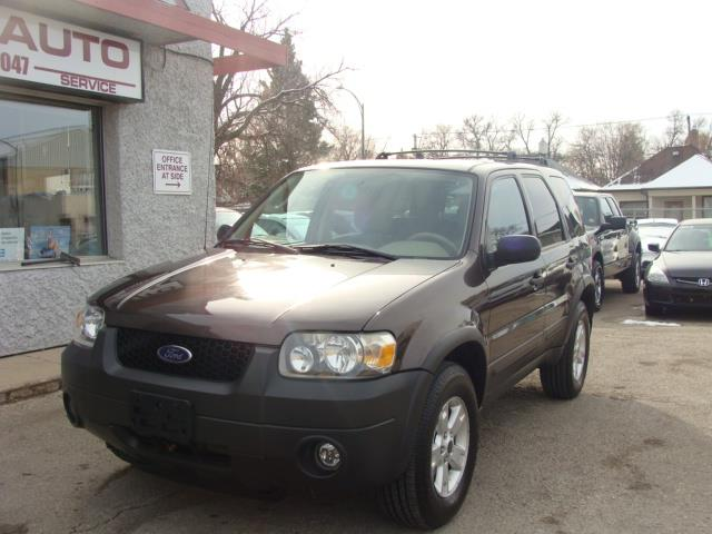 2006 Ford Escape  A.W.D. X L T