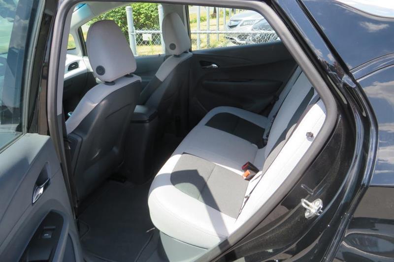 Chevrolet Bolt 8