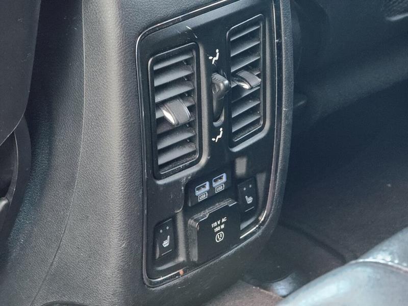 Jeep Grand Cherokee 32