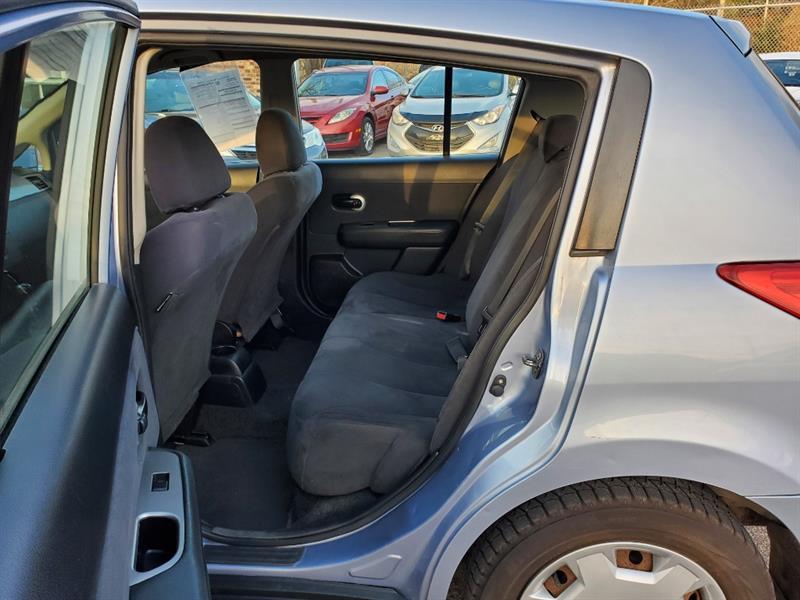 Nissan Versa 12