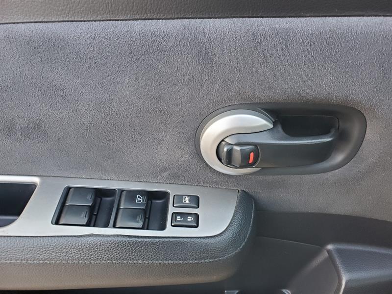 Nissan Versa 18