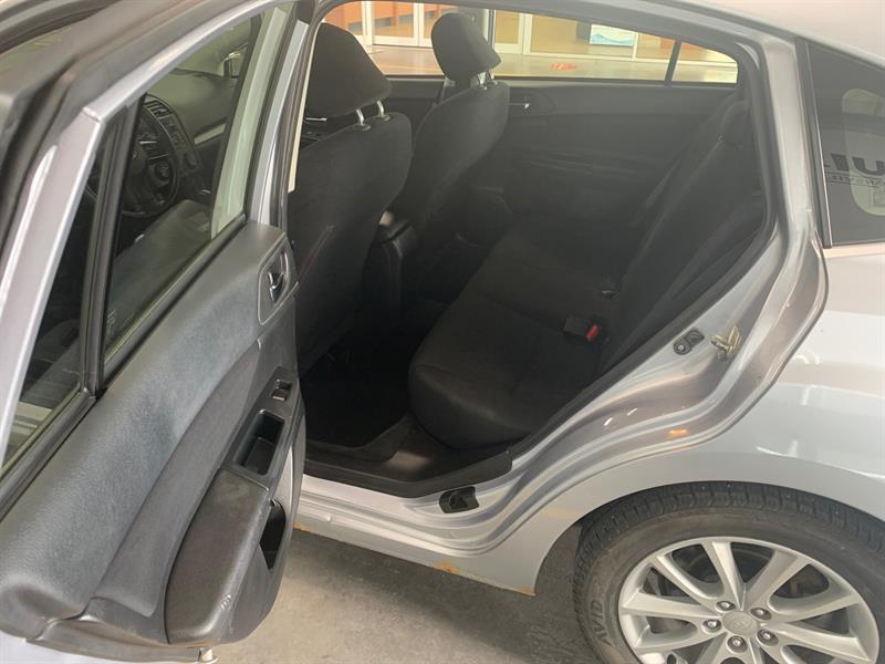 Subaru Impreza 8