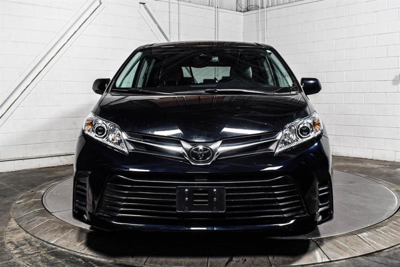 Toyota Sienna 2