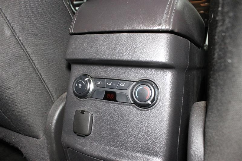 Ford Explorer 20