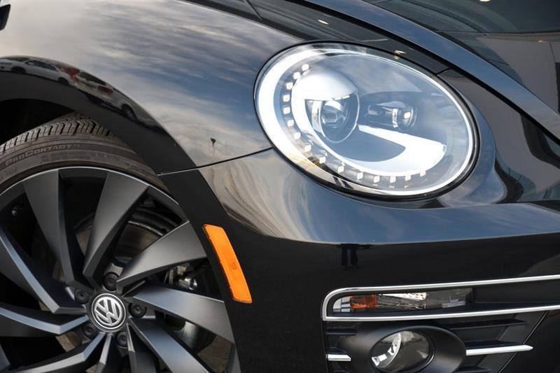 Volkswagen Beetle Convertible 2