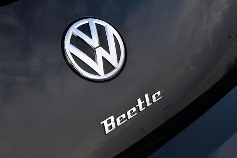 Volkswagen Beetle Convertible 10