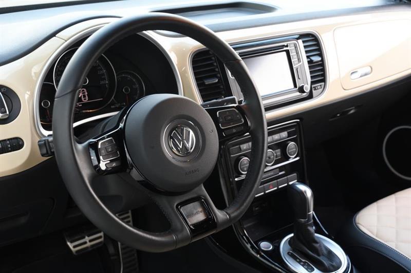 Volkswagen Beetle Convertible 12