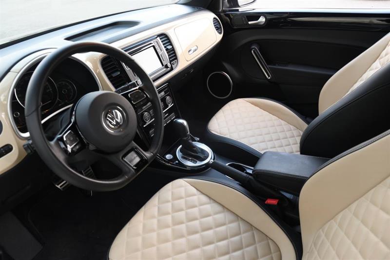Volkswagen Beetle Convertible 14