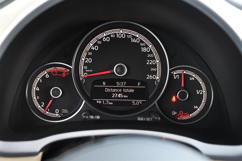 Volkswagen Beetle Convertible 16