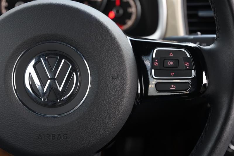 Volkswagen Beetle Convertible 17
