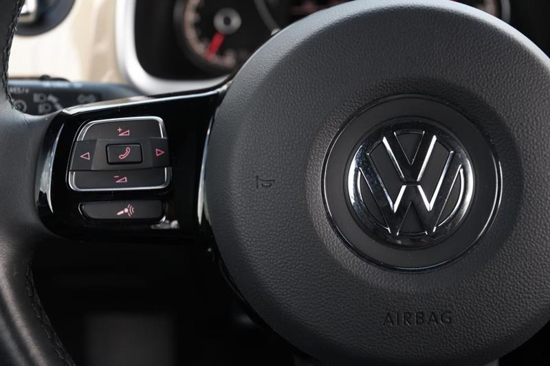 Volkswagen Beetle Convertible 20