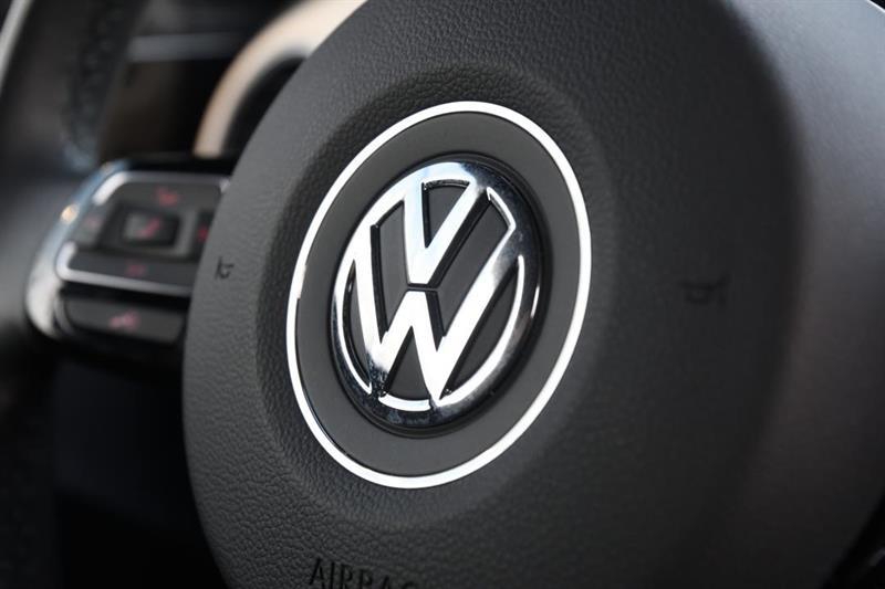 Volkswagen Beetle Convertible 21