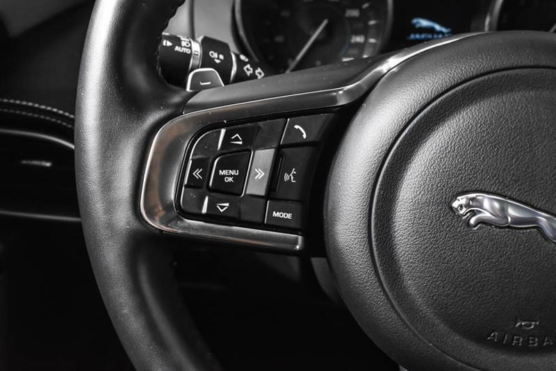 Jaguar XE 22
