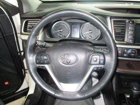 Toyota Highlander Hybrid 16