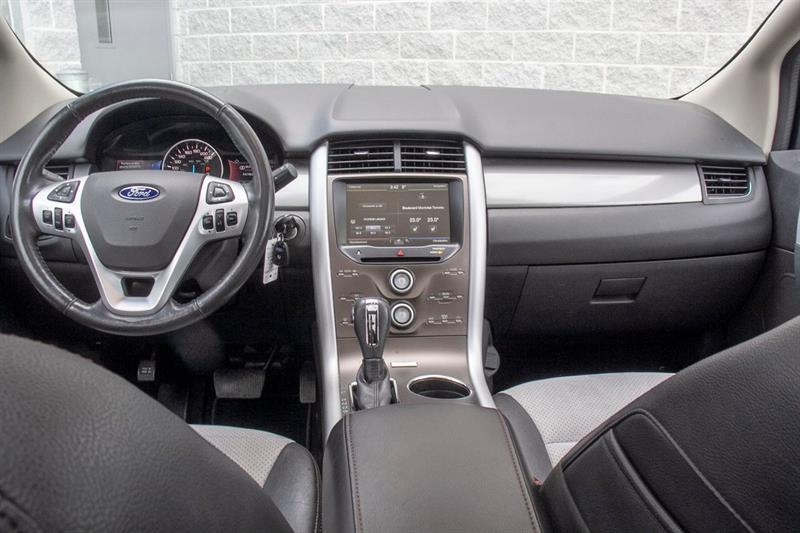 Ford Edge 32