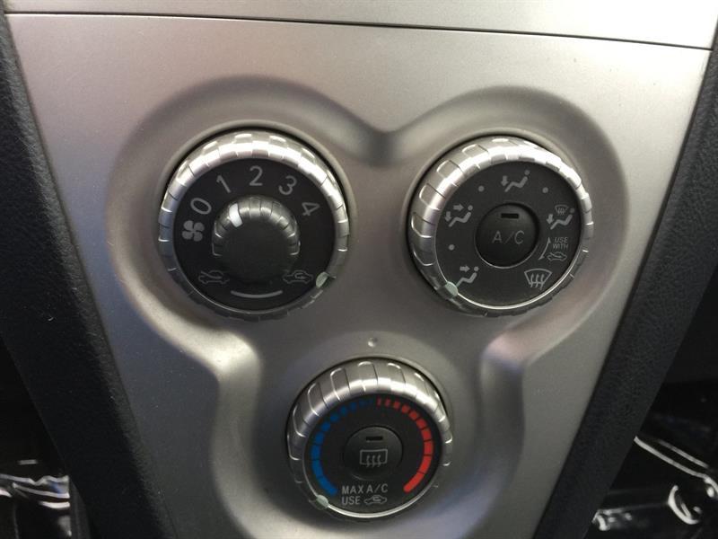 Toyota Yaris 27