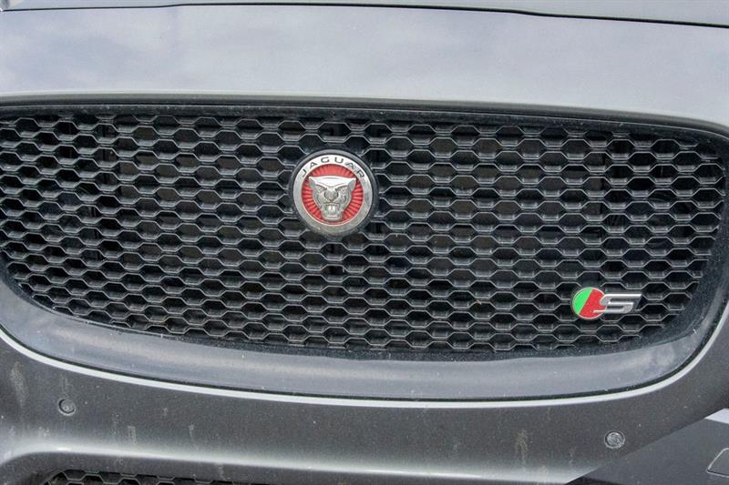 Jaguar F-PACE 30