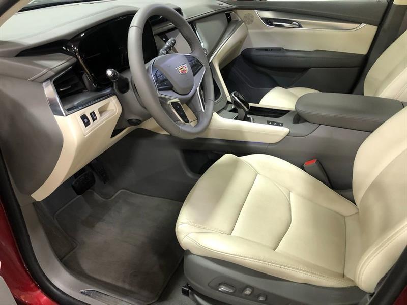 Cadillac XT5 13