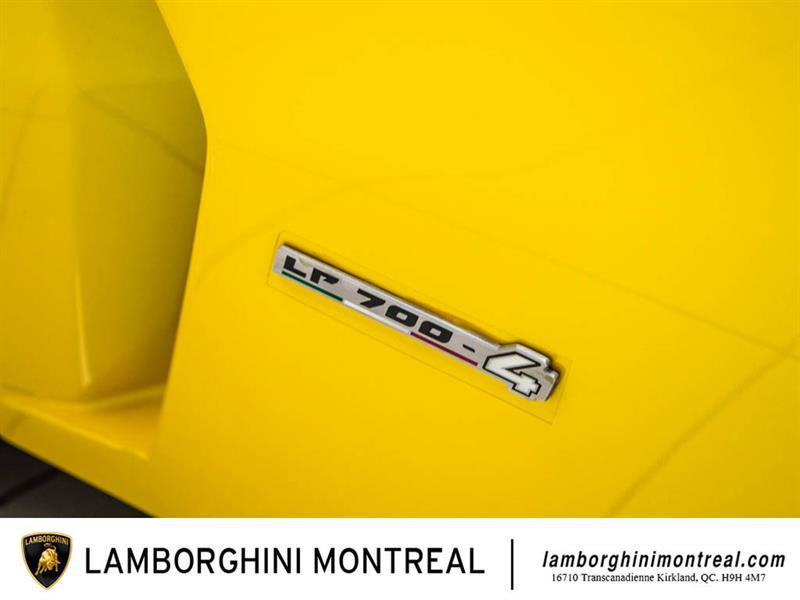 Lamborghini Aventador 17