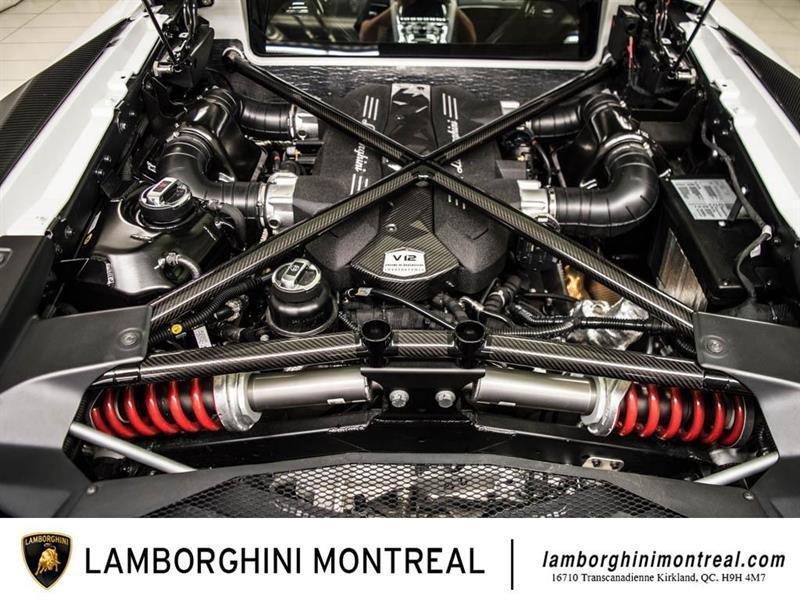 Lamborghini Aventador 29