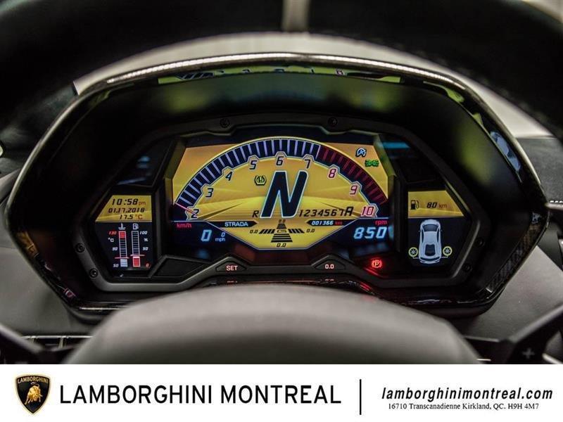 Lamborghini Aventador 38