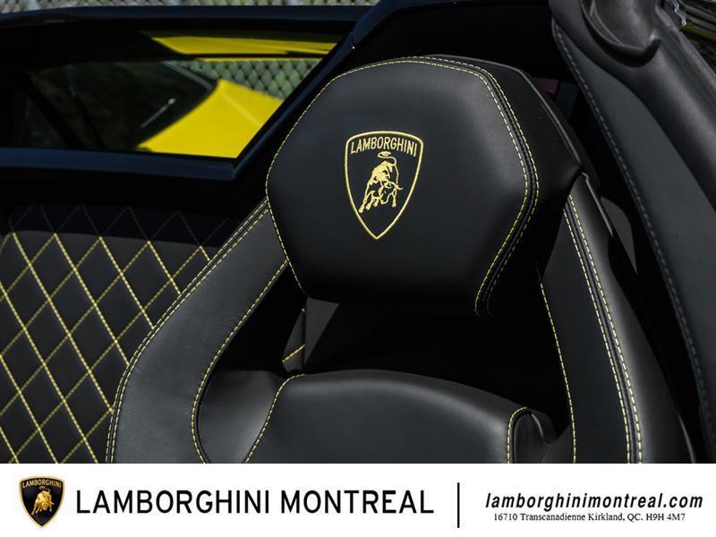 Lamborghini Aventador 15