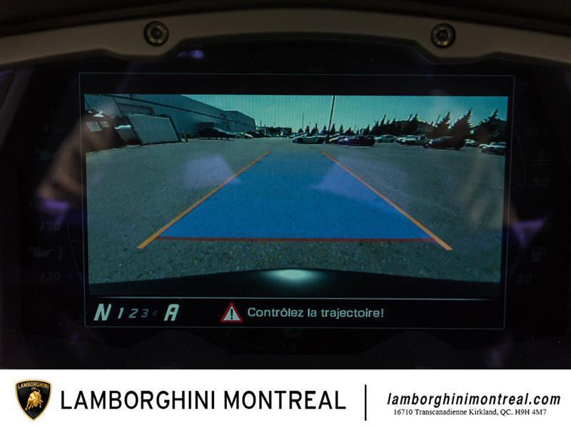 Lamborghini Aventador 16