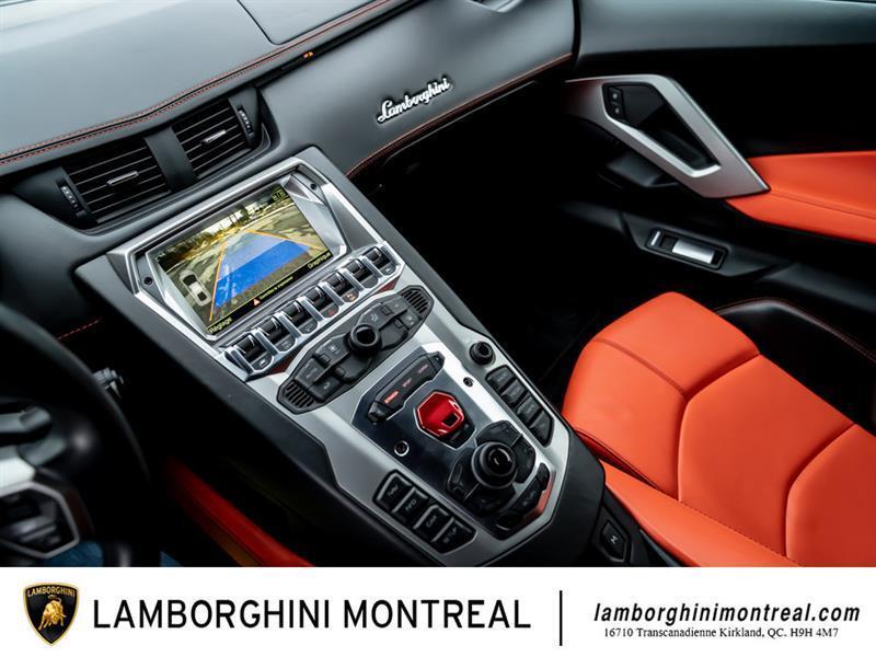 Lamborghini Aventador 30