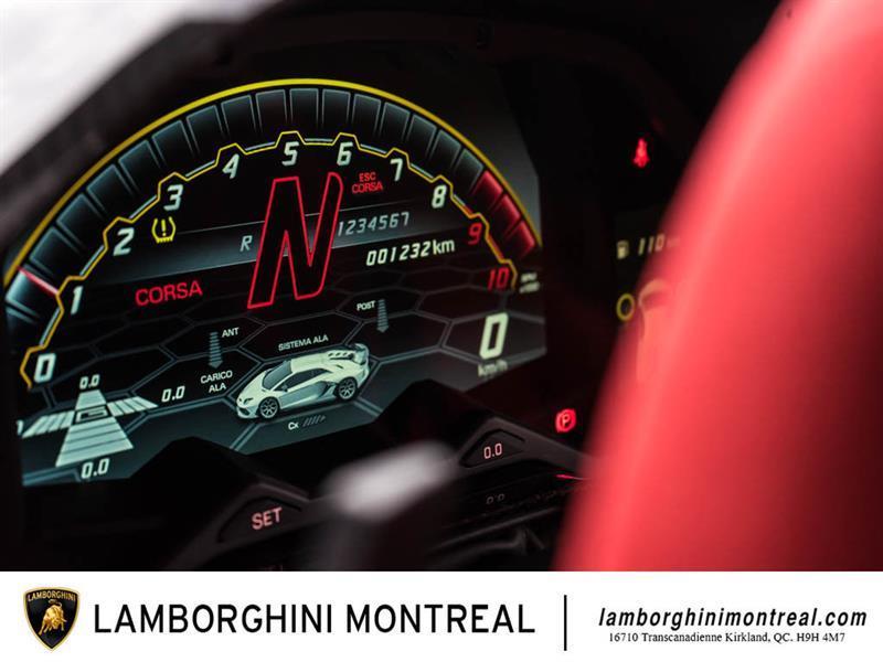 Lamborghini Aventador 24