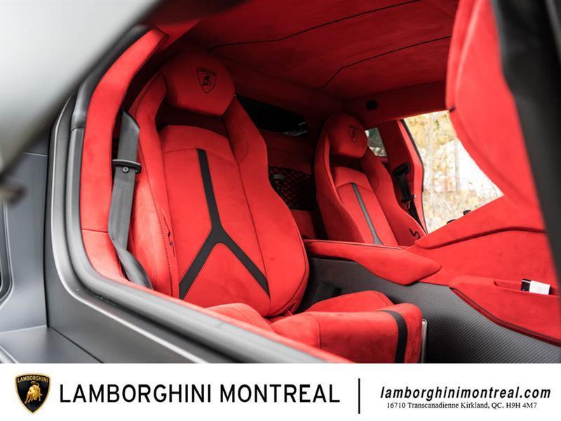 Lamborghini Aventador 28