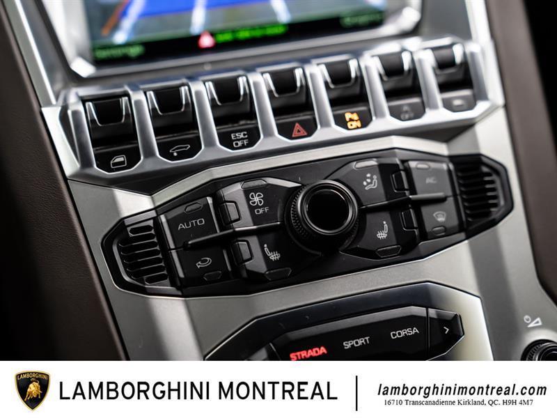 Lamborghini Aventador 18