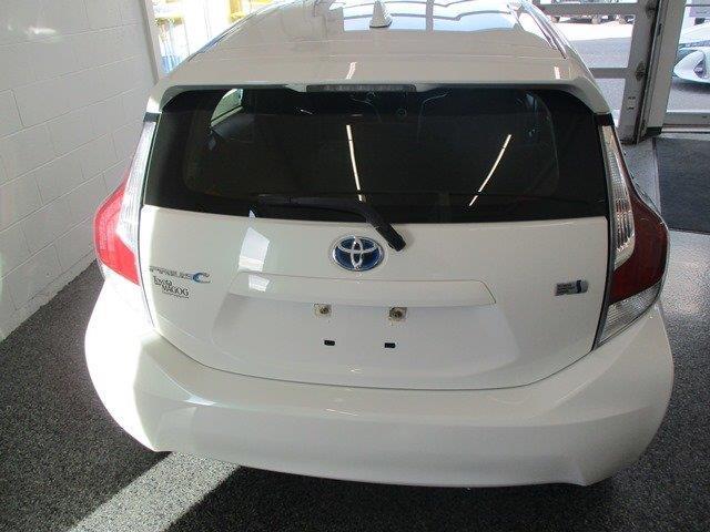 toyota Prius c 2015 - 3