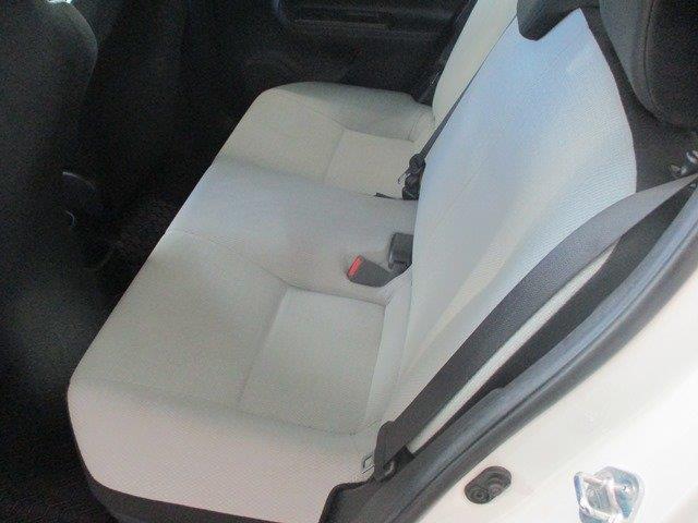 toyota Prius c 2015 - 8