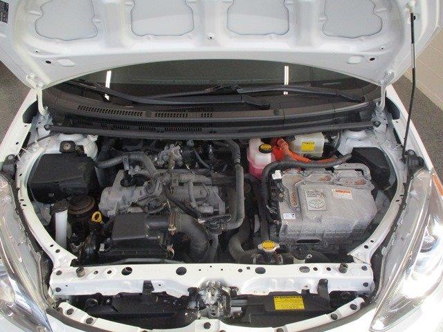 toyota Prius c 2015 - 16