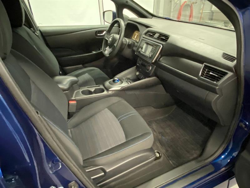 Nissan LEAF 35