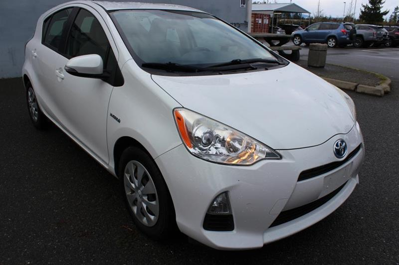 2013 Toyota Prius C Technology - Bluetooth. Fog Lights. #12898A (KEY 117)